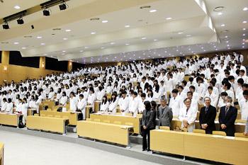 東京薬科大学 白衣授与式