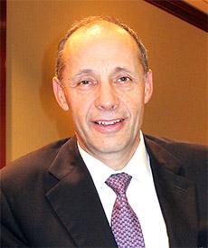 ジョセフ・フォン・リッケンバック会長兼CEO