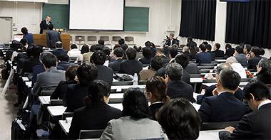 各大学の教員が薬学教育改革の実例を紹介した
