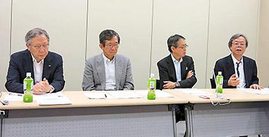 9日に都内で開かれたJUMPの記者会見