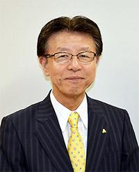 村松章伊氏
