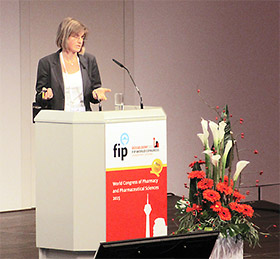 昨年ドイツで開催されたFIP国際会議で、ドイツの疾病管理パイロットプロジェクトを説明するドイツ薬剤師会(ABDA)
