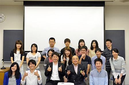 講演会に参加した学生たち 1