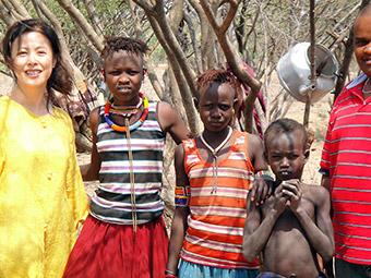 09年、ケニアでの内臓リーシュマニア症臨床プロジェクトのモバイルチーム活動にて