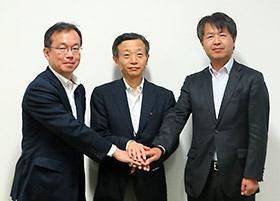 左からINCJ・芦田耕一氏、キュラディム・内ケ崎哲氏、Meiji・佐々木優慈氏