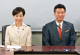 左から古屋範子副大臣、橋本岳副大臣