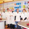 BerchtesgadenのSt.Antonius薬局(当時)の職員。女性ばかりの職場に見えますが、男性もフライブルク大学を卒業した実習生、薬局オーナーのご主人、そして私の3人がいました。ただ、この女性チームに支えられて仕事をさせていただいているというくらいに若者2人(当時の私は26歳でした)の仕事には目を配ってくれました