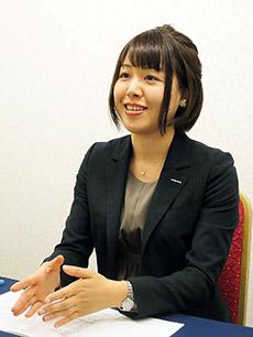 戸田麻里奈さん