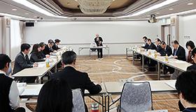 9日に開かれた奈良県薬事審議会