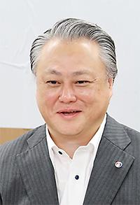 鈴木俊彦保険局長