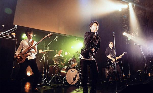 昭和薬大卒の薬剤師バンド「Foot mark music」