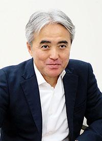 岩崎真人氏