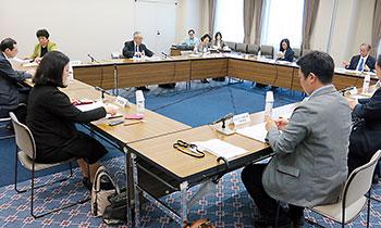 4月25日に開かれたリウマチ等対策委員会