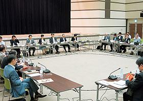 13日に開かれた中央社会保険医療協議会合同部会