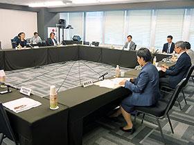 厚生科学審議会疾病対策部会指定難病検討委員会