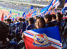 横浜Fマリノスの応援で全国を飛び回る